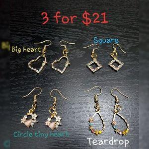 🔥 Alloy Rhinestone dangle earrings